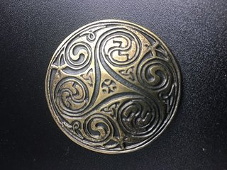 Zierniete Concho Celtic 47 mm messing groß